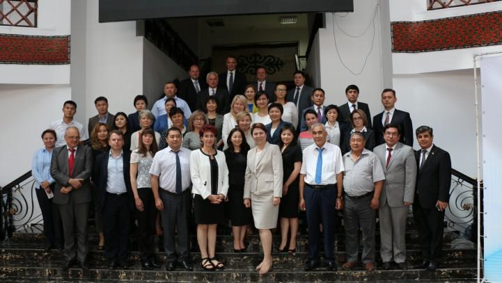 Сотрудничество судебных и правовых учебных организаций: Фактор для успеха судебной реформы