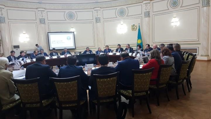 Круглый стол Комитета по законодательству и судебно-правовой реформе Мажилиса Парламента РК
